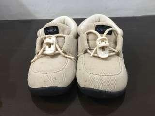 🚚 【Combi】 兒童鞋 (米色、size: 12.5)