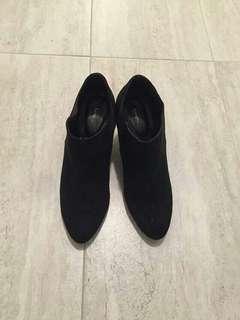 Black hells boots