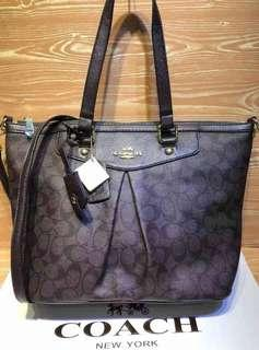 ZIP TOTE WITH STRAP