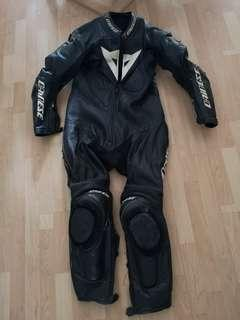 Dainese leather suit size 52