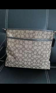Coach sling bag 100% orig