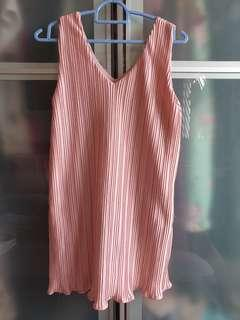 🚚 Pink Pleated Top (long)