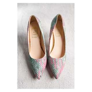🚚 【TKRY二手高跟鞋】客人寄賣24.5近全新撞色編織款高跟鞋10公分