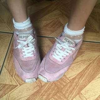 🚚 原宿系粉紅愛心運動休閒鞋