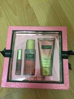 Victoria Secret Gift Set (NEW)