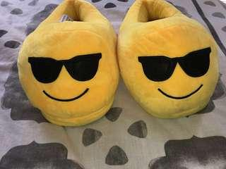 '😎' emoji slippers