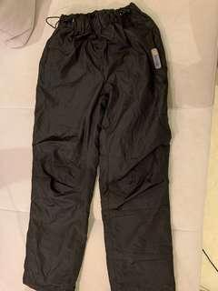 Innik ski pant, size XS, new, bought the wrong size , let it go HK$100