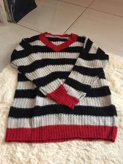 🚚 紅黑白橫條撞色針織毛衣
