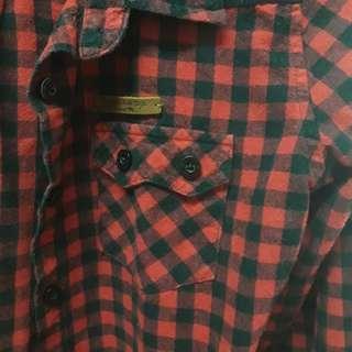 🚚 #半價衣服拍賣會 IBS JEANS 紅黑格襯衫 S