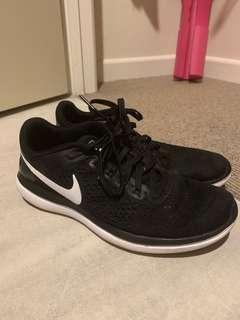 Nike flex gym shoes
