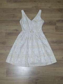 🚚 Cream pattern flare dress