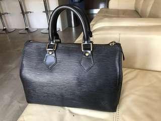 Authentic Louis Vuitton epi leather speedy 30