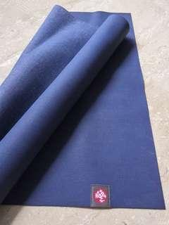 🚚 Authentic Manduka eko superlite blue yoga mat travel light