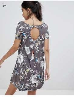 🚚 Brave soul swing dress with keyhole back detail in floral grey