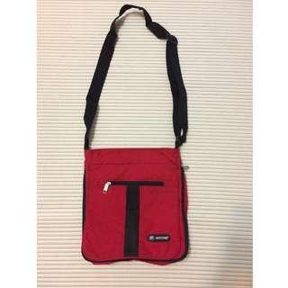 Papiyong Red Messenger Bag