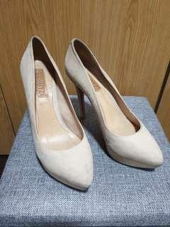 SCHUTZ heels suede nude