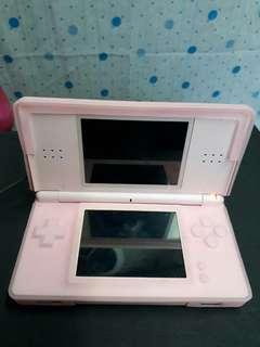🚚 任天堂粉紅色遊戲機