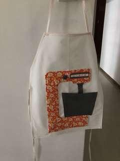 🚚 Customised apron