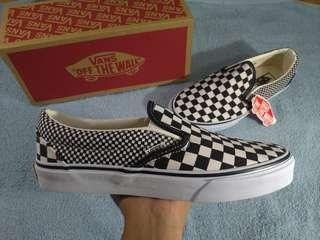 Vans Slip On Checkerboard w/ Free Sling Bag