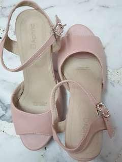 🚚 Pink Sandals with Platforms raised