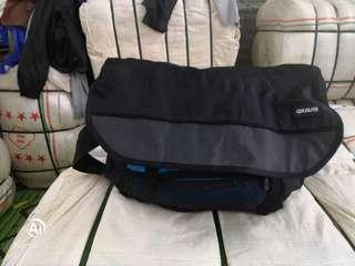 Gravis big messenger bag