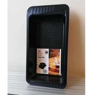 Non Stick Loaf Tin (Brand New)