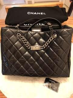 💯 %real 90%new Chanel bag full set