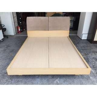 香榭二手家具*白橡木色 標準雙人5x6.2尺布墊床頭床架組-雙人床-排骨床-床箱-床底-床組-中古床架-五尺床-床頭箱