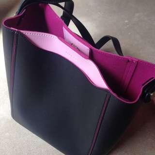 Marcs by Marc Jacobs Black & Pink Handbag Crossbody back