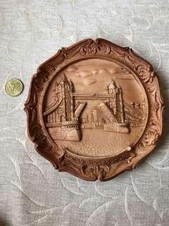 Deco plate, london bridge