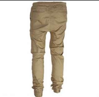 🚚 Khaki Pants