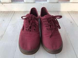 Vans Gumsole Authentic Lo Pro Sneakers in Maroon/Red