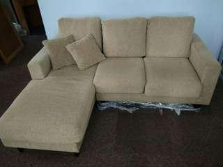 🚚 KING KOIL L shape sofa(with delivery)