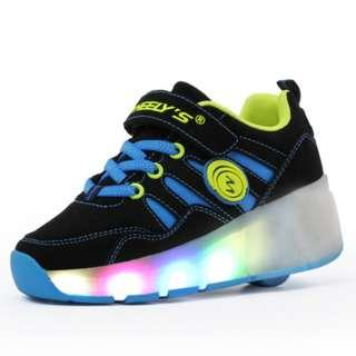 [NEW ] [ PO] !!! PROMOTION MONTH  !! FOR THIS AWESOME PRETTY COOL LED ROLLER SHOES SINGLE WHEELS !!  COME WITH KIDS AND ADULT SIZE TOO !!!