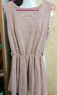 🚚 粉色厚短洋裝