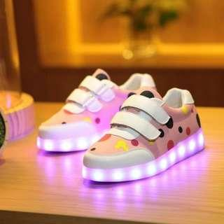 [NEW] [PO] PROMOTION FOR MONTH  !! RECHARGERABLE LED SHOES FOR 2 - 6 YEAR OLD KIDS  !!