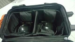 🚚 Bowling equipment.