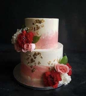 🚚 2 tier floral wedding cake