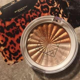 OFRA Cosmetics Nikkitutorials Everglow Highlighter