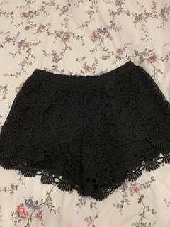 🚚 Primark Black Lace Shorts