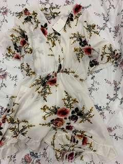 🚚 BNWT White Floral Romper