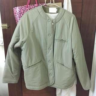 羊羔毛軍綠色外套