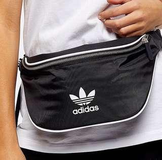 🚚 Adidas Waist Bag