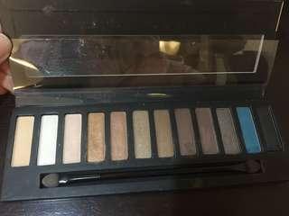 Palete eyeshadow produk jepang