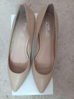 Executive shoes (行政鞋)