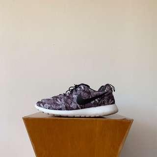 Nike Roshe Run Black Floral Print US9.5