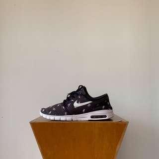 🚚 Nike SB x Geoff McFetridge Stefan Janoski Max Premium Black US9.5