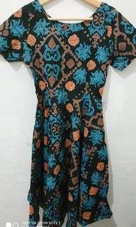 Mididress motif batik