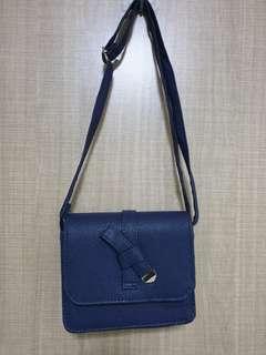 🚚 Navy Blue Sling Bag