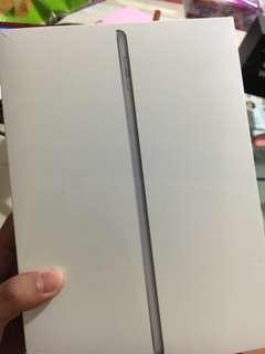 🚚 iPad (6th Generation) Wi-Fi - Space Gray